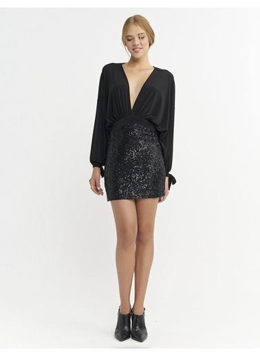 BGN Siyah - Derin V Yaka Payet Elbise Siyah